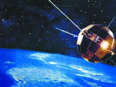 1970年4月24日中国首颗人造地球卫星东方红一号成功发射 在轨飞行