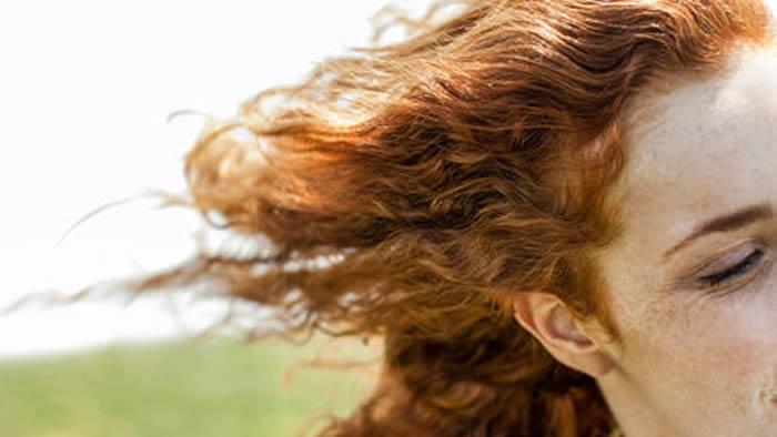 冰岛人的雀斑和红头发并非遗传自尼安德特人祖先。图片来源:PHOTOALTO