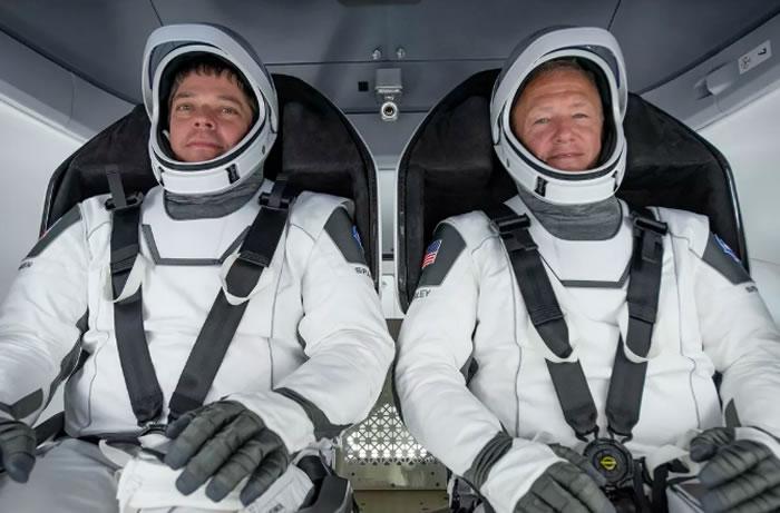 """美国宇航局局长:SpaceX载人""""龙""""飞船搭载宇航员前往国际空间站的计划仍是优先事项"""