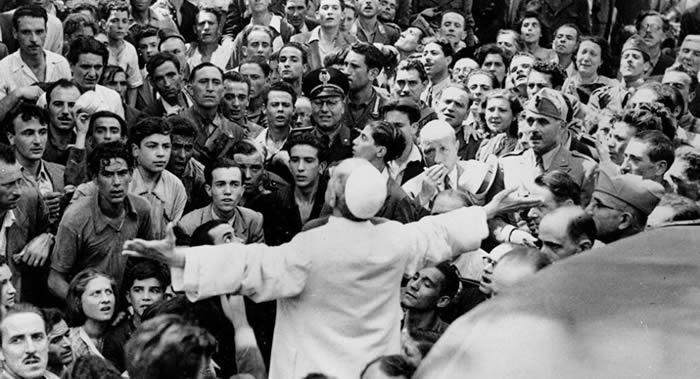 """尘封75年的文件在梵蒂冈引发丑闻 教皇庇护十二世被称作""""希特勒的朋友"""""""