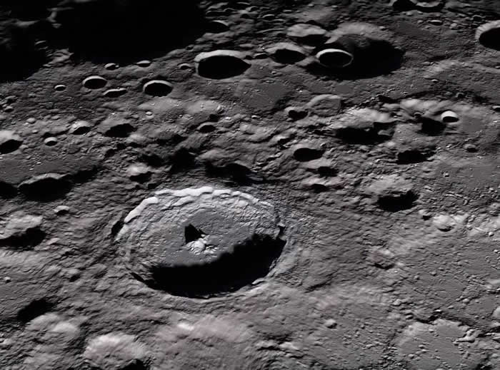 "《Scientific Reports》:地球上的火山喷发是1100年月球""消失""的原因"