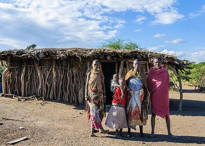 坦桑尼亚北部纳特龙湖考古遗址发现逾400个古人类足印化石 是非洲历来最大规模发现