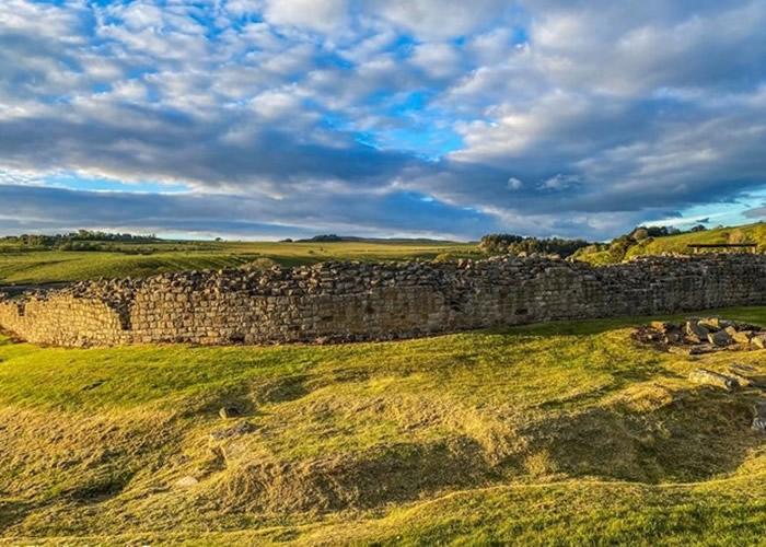 英国历史地标哈德良长城附近文德兰达要塞出土2000年前皮制老鼠 首揭古罗马人玩味一面