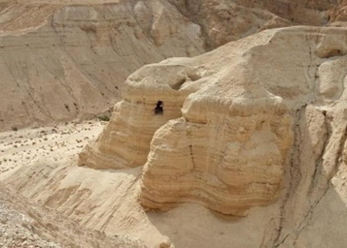死海古卷碎片于约旦昆兰洞穴(图)出土。