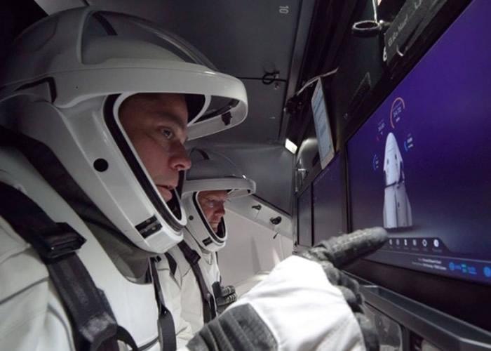 NASA载人登月升空前夕 任务负责人Doug Loverro请辞