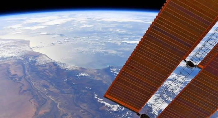 """俄罗斯计划使用""""返回-MKA""""生物卫星向太空20万公里的高度发射20只小鼠"""