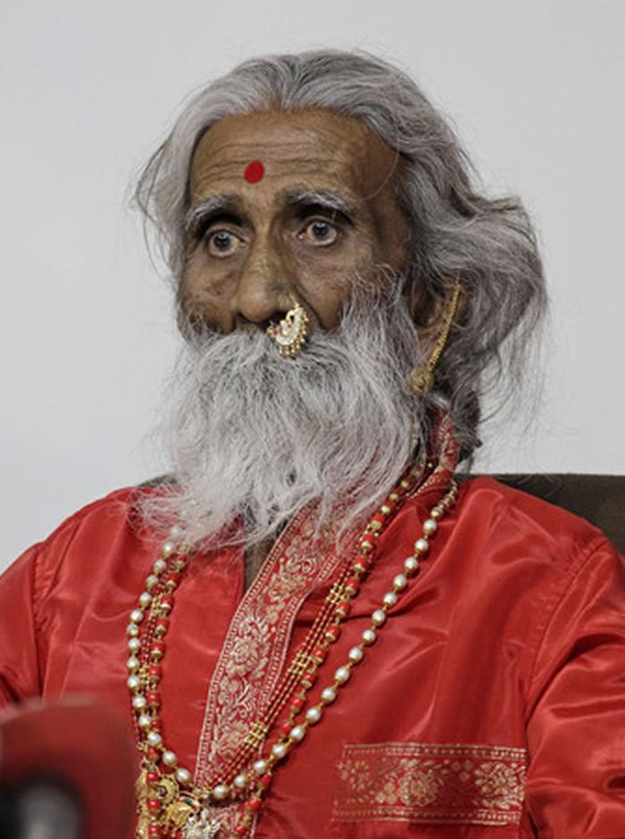 印度瑜伽士Prahlad Jani90岁高龄逝世 自称从8岁起就没有吃任何食物甚至没有排泄
