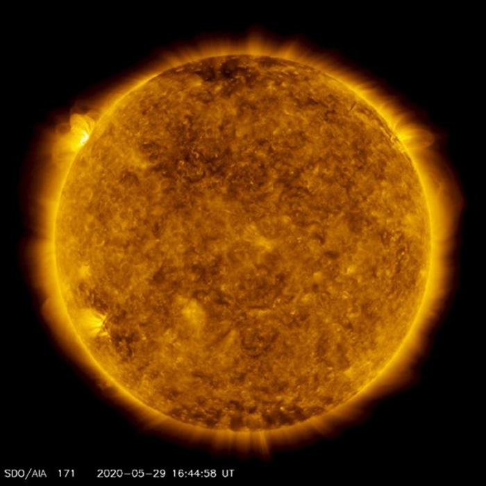 要从沉睡中苏醒?5月29日太阳爆发了自2017年10月以来最强的耀斑