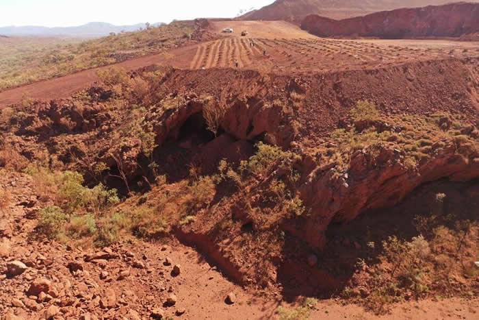 矿业巨头力拓集团为炸毁西澳大利亚Juukan峡谷地区46000年历史的土著岩洞而致歉