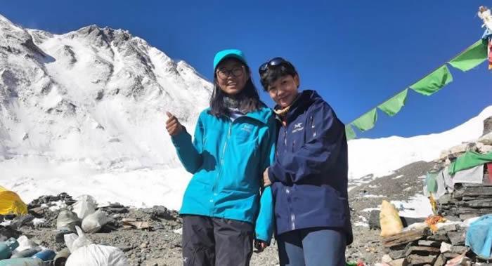 蔡艳娟成为首位登上珠穆朗玛峰的宁夏女性
