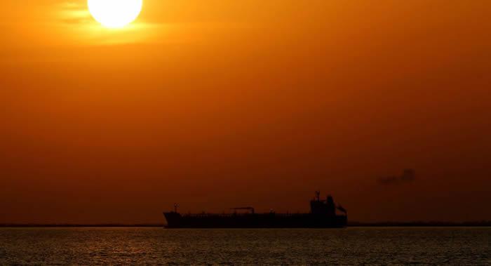 """""""南大西洋异常""""神秘事件:几艘船行驶到南非附近大西洋水域时迷失方向无法控制"""