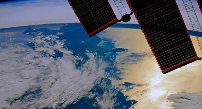 俄宇航员从国际空间站向俄公民祝贺俄罗斯日
