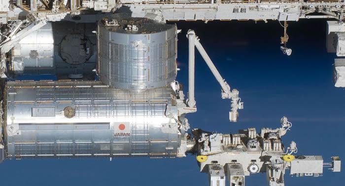NASA在24日从国际空间站放飞为美国防部量身定做的Red-Eye-3小型卫星