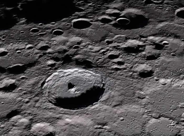 美苏太空竞赛:美国打算在月球上引爆一枚核弹向世界展示武力