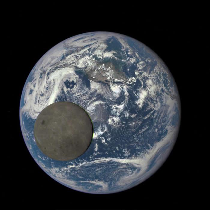 正面背面不对称是在月球形成时放射性元素分布不均匀所导致