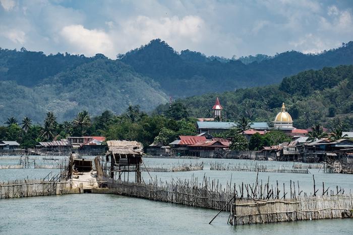 位于波索湖口、坦田那村的Wayamasapi,这是当地传统的鳗鱼渔法。 当地人担心,波索河的水流改变,将有可能代表这种传统渔法的终结。 图片来源:Ian Mor