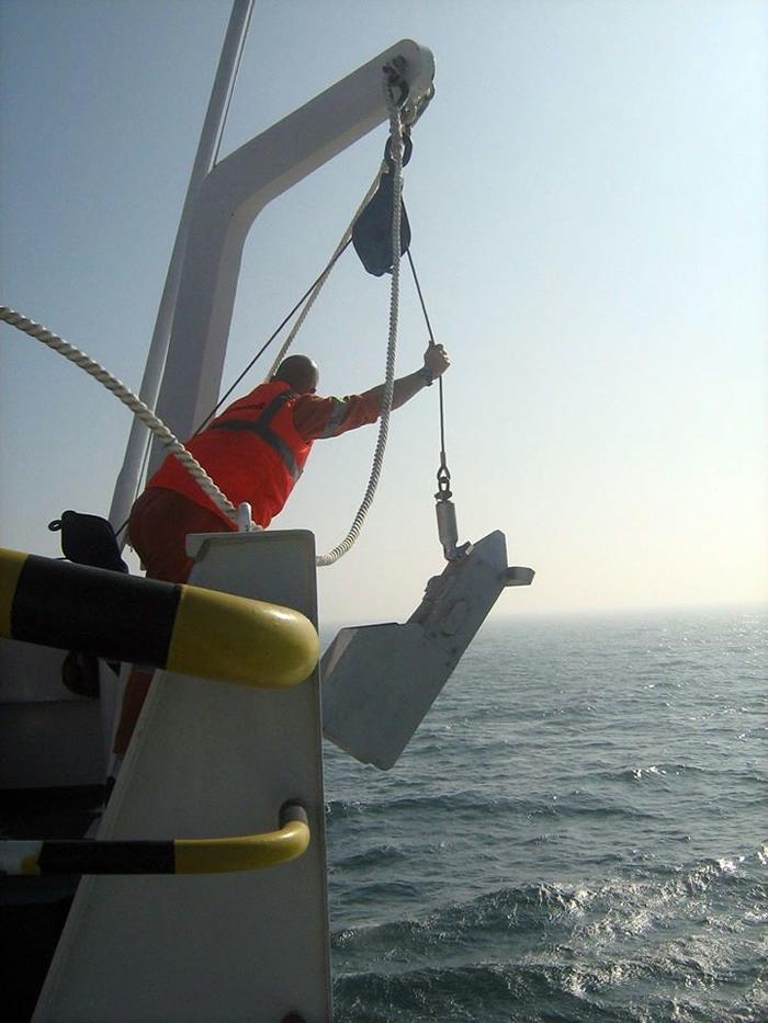 CPR设计强韧、不易坏且技术含量低,由随着拖曳的动力旋转的小型螺旋桨驱动,维护成本低。 照片来源:CPR Survey脸书