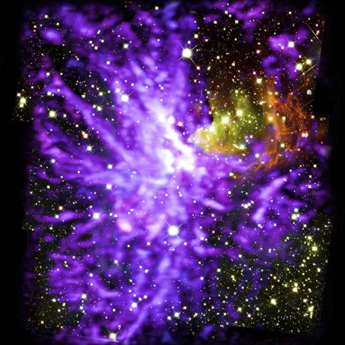 宇宙烟火秀:活跃的恒星诞生地星系团G286.21+0.17