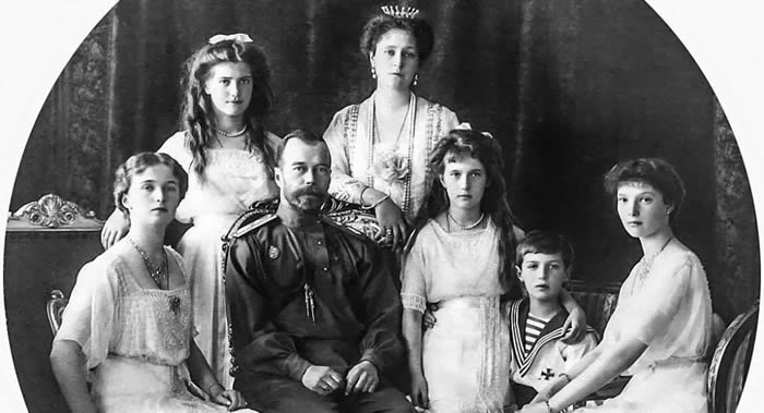 俄罗斯叶卡捷琳堡郊外发现的遗骸属于末代沙皇尼古拉二世一家及其随从