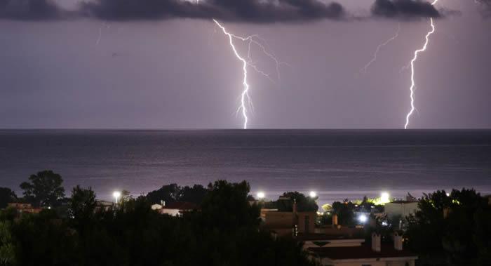 由于全球变暖地球上的雷雨将会更频繁