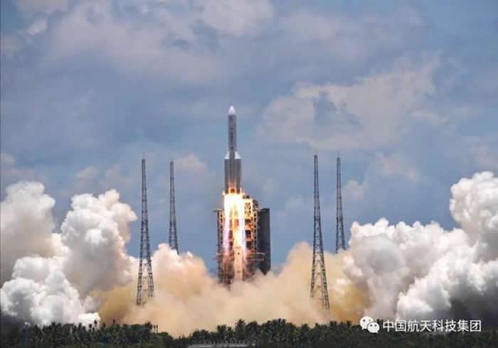 中国迈出行星探测第一步 长征五号运载火箭成功发射天问一号火星探测器