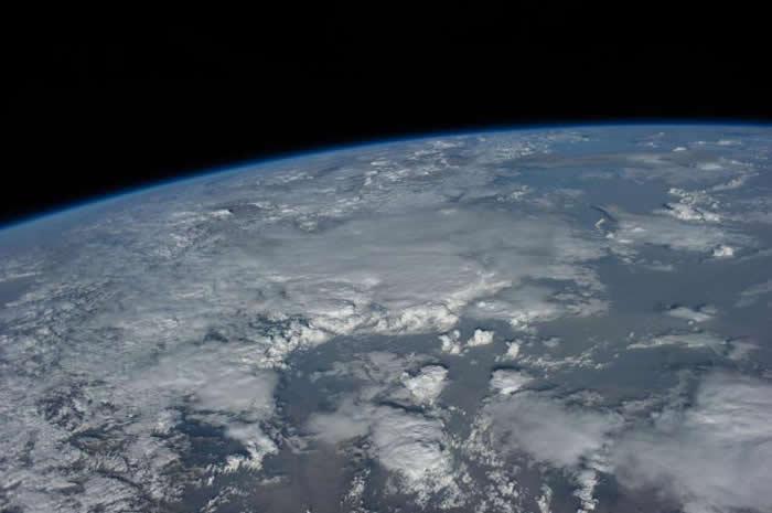 """《英国皇家学会会刊》:新研究表明""""雪球地球""""或是阳光辐射短时间内严重匮乏所导致"""