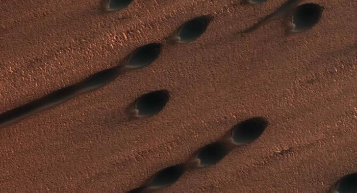 研究人员首次发现火星沙粒的大波浪迁移