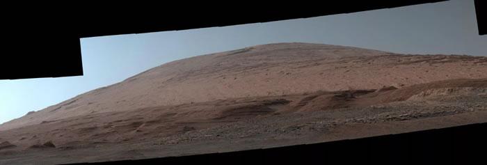 另一张新发布的图片显示了2019年10月夏普山的引人注目的肖像,夏普山是盖尔陨石坑内的巨大中央山。