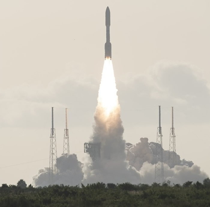 NASA成功发射坚毅号火星探测器和首架火星直升机独创号 预计明年2月抵火星