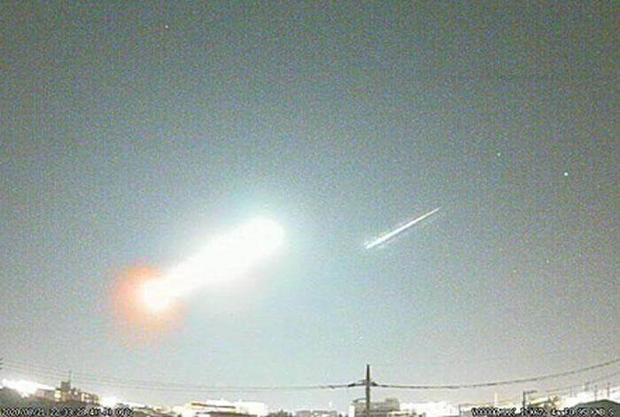 8月21日晚明亮火球划过日本东京和关东地区天际