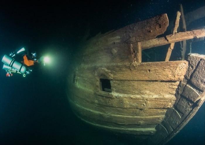 芬兰及爱沙尼亚之间的芬兰湾海底发现保存完好的17世纪荷兰商用船