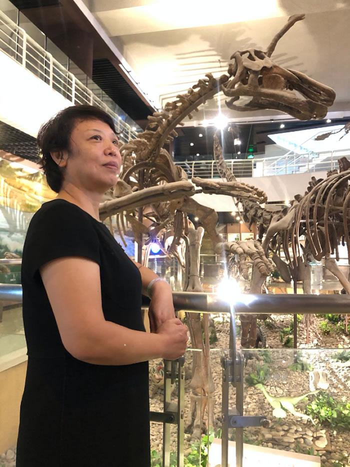 张平,中国古动物馆副馆长,古生物研究专家。长期从事博物馆科普教育和科普展览设计工作,多次组织中国古动物馆野外考察,拥有丰富的博物馆科普经验。