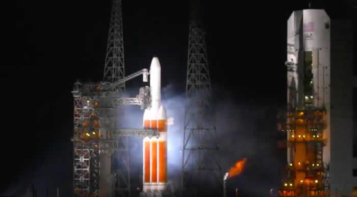 联合发射联盟ULA重型火箭ULA Delta 4 Heavy发射工作在升空前几秒钟中止