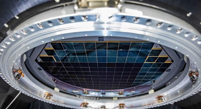 大型综合巡天望远镜上的世界上最大数码相机已获得首个3200百万像素测试照片
