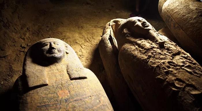 埃及考古团队发现一批可追溯至2500年前的完好木棺