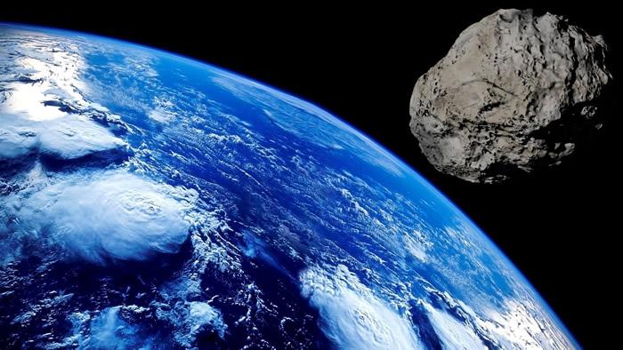 有研究称新型冠状病毒是搭乘陨石的太空便车降落在地球才开始扩散
