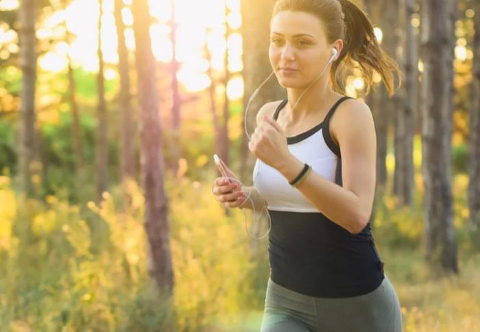 年轻人进行锻炼可以迅速提高他们的记忆力和学习能力