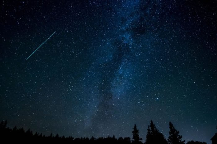 2020年10月份天文现象概况:天龙座流星雨和猎户座流星雨光临