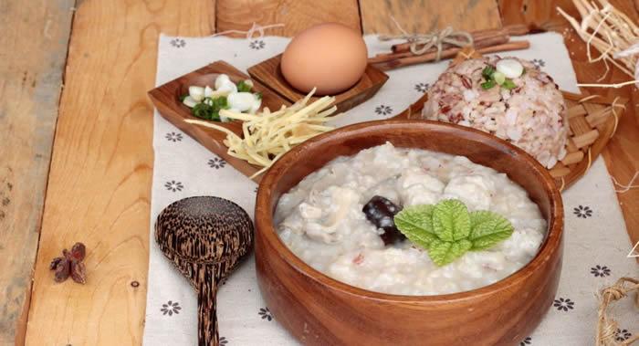 俄罗斯营养学家指出不正确的早餐:速食谷物粥和泡着牛奶或果汁的麦片