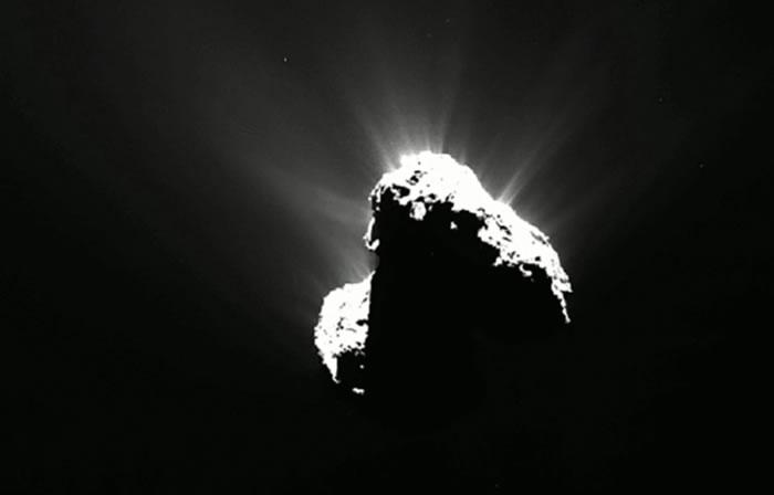 科学家有史以来第一次发现来自彗星(67P/Churyumov-Gerasimenko)的极光