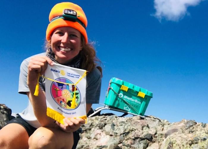 美国科罗拉多州女大学生Brittney Woodrum2个月登58座高峰 筹得逾8.5万美元善款