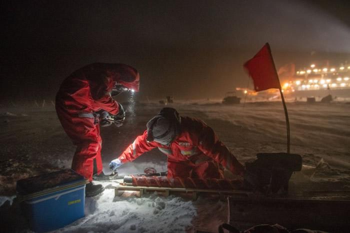 """全球规模最大的考察团乘""""极星号""""研究船前往北极 带回大量珍贵的科研资料"""