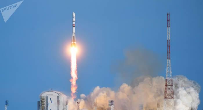 """俄罗斯航天员登陆月球的载人考察任务 需要发射两次""""叶尼塞""""超重型运载火箭"""