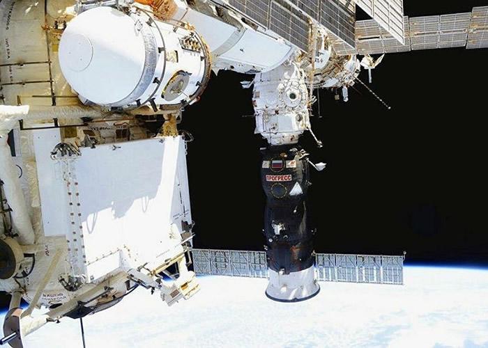 """成功协助宇航员找到国际空间站内气体泄漏位置的幕后最大""""功臣""""是茶叶"""