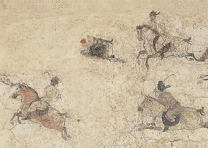 壁画绘画了男子骑马挥动棍棒,似在打马球。