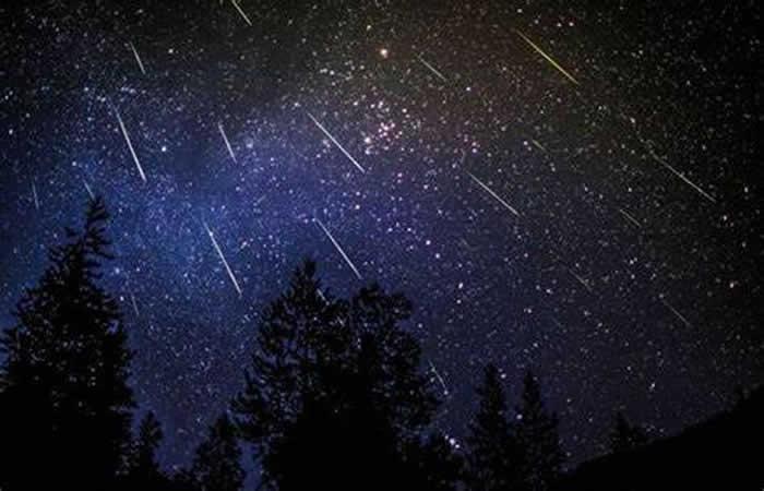 2020年11月份天文现象概况:17日狮子座流星雨极大