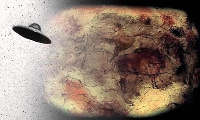印度洞穴万年前壁画上画着外星人和不明飞行物UFO的图像
