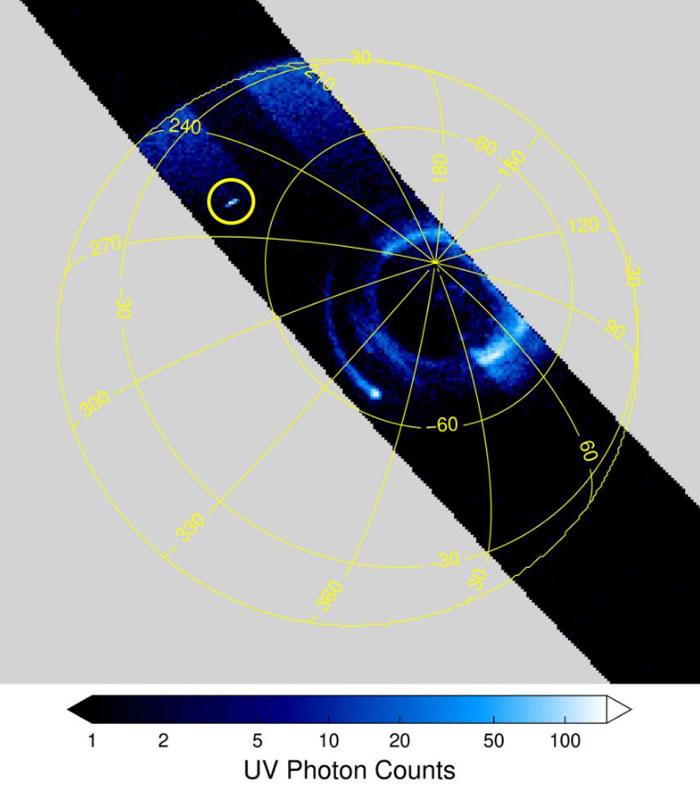 """新研究显示大气现象""""精灵闪光""""和""""怪异闪电""""正在壮观地照亮木星的上层云层"""