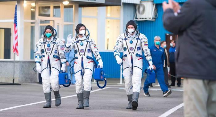 国际空间站载人飞行20周年 空间站机组成员向项目参与者表示祝贺
