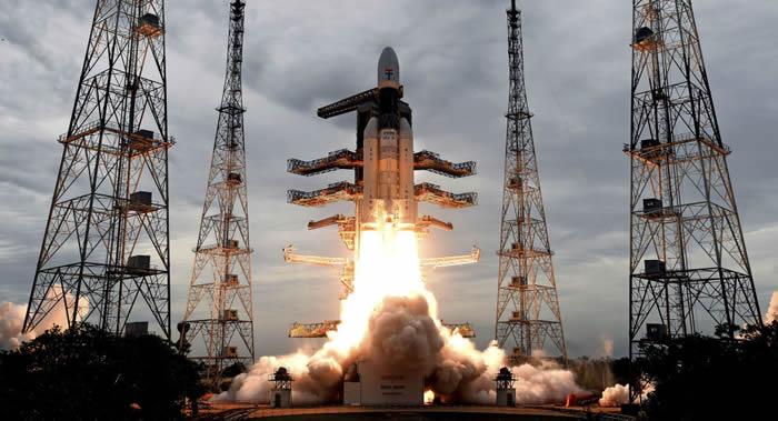 印度成功进行2020年首次航天发射 极轨卫星运载火箭(PSLV)搭载10颗卫星升空
